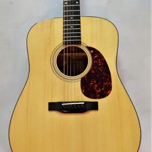 Eastman E10D Dreadnought Acoustic Guitar