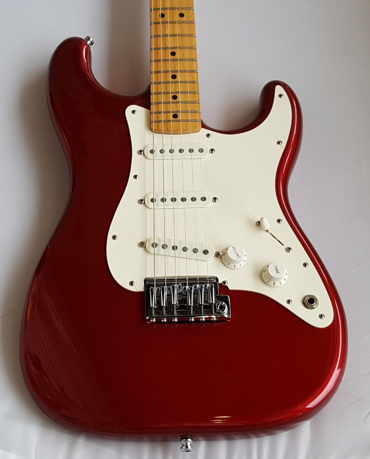 Fender Stratocaster Rare 2 Knob Model Candy Apple Red 1983