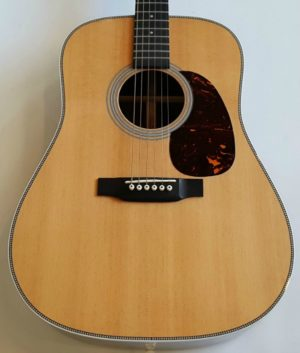 Martin HD-28 Acoustic Dreadnought Guitar in Natural Finish 2012