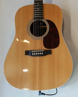 Martin MMV 2010 Gloss Natural with Tonewood AMP