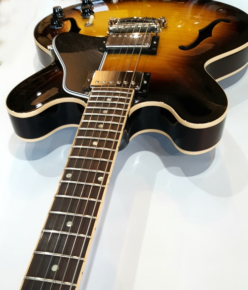 Gibson es 335 Dot Sunburst 2011